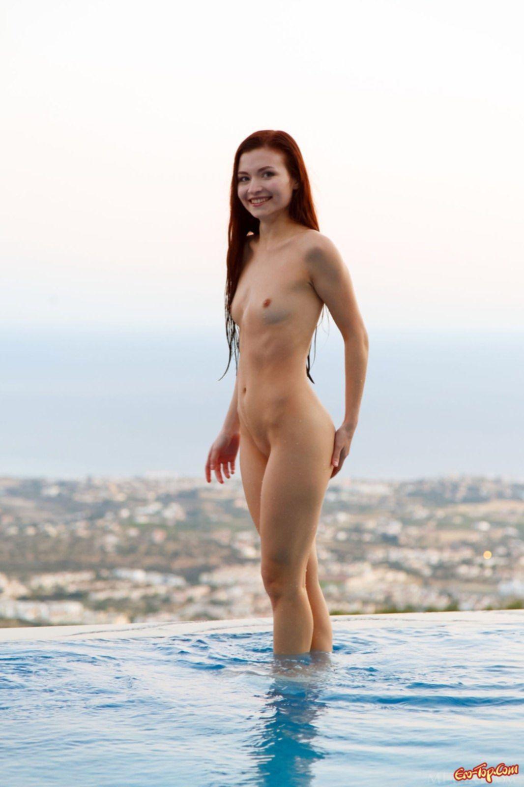 Подборка фотографий от сексуальной рыжей девушки - эротика