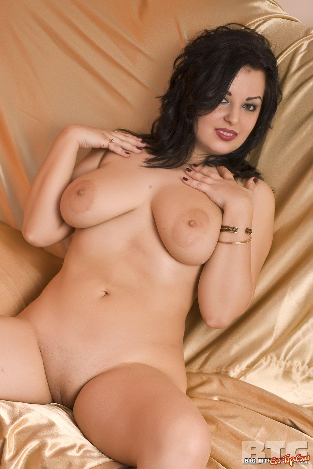 Толстая голая девушка с большими сиськами фото