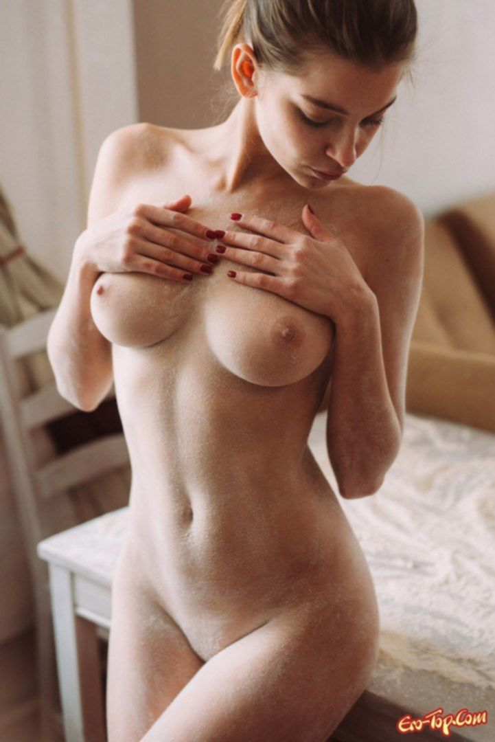 Девушки фоткают грудь и попы - фото эротика.